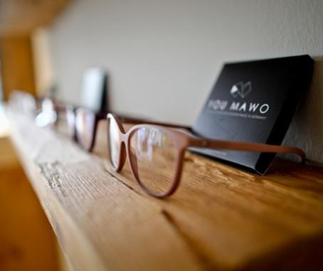 Schrägansicht Brillen von You Mawo